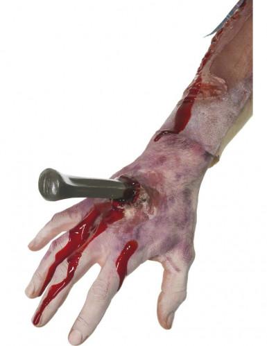 Fausse plaie avec clou main